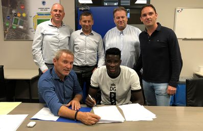 Striker Onuachu signs for Genk!