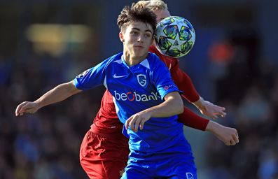 Luca Oyen (16) extends his stay at KRC Genk!